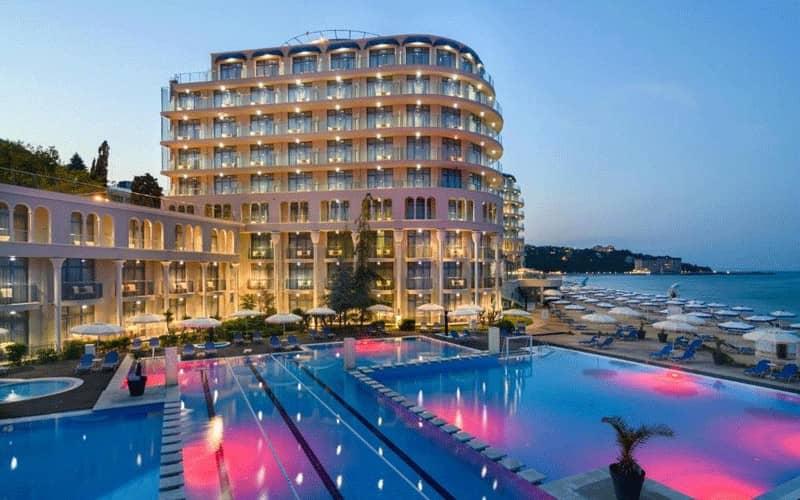 هتل Azalia Beach Hotel Balneo & SPA Varna