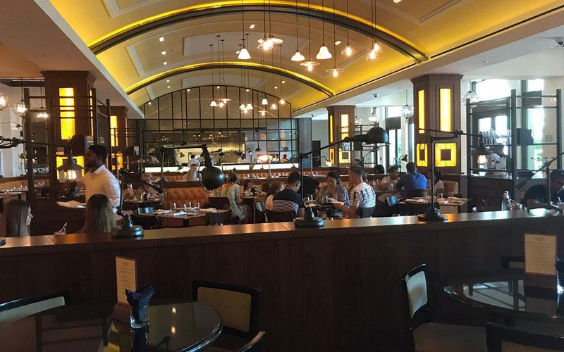 کافه بار گوردون رامسی برد استریت کیچن دبی
