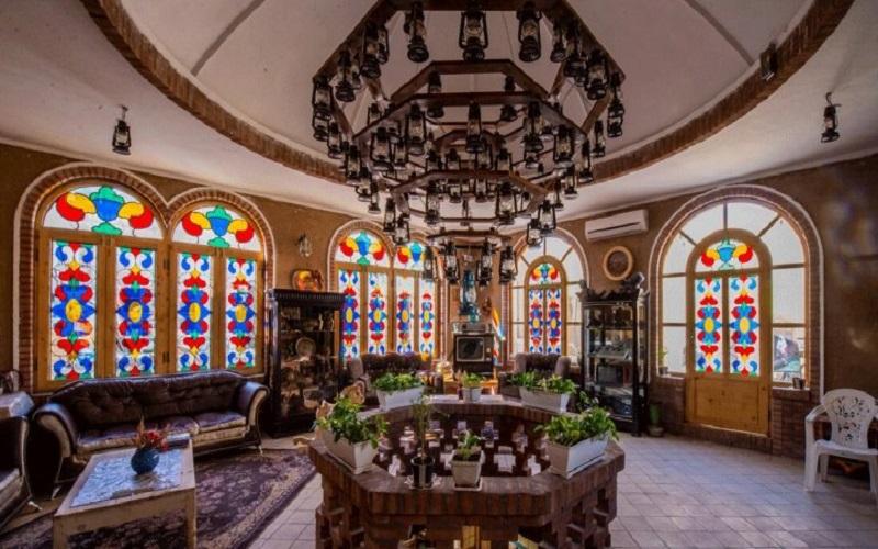اقامتگاه سنتی فانوس ویونا کاشان