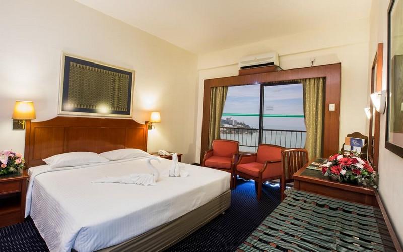هتل Rainbow Paradise Beach Resort Penang