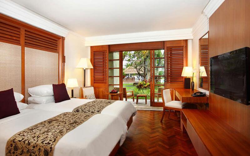 هتل Nusa Dua Beach Hotel and Spa Bali