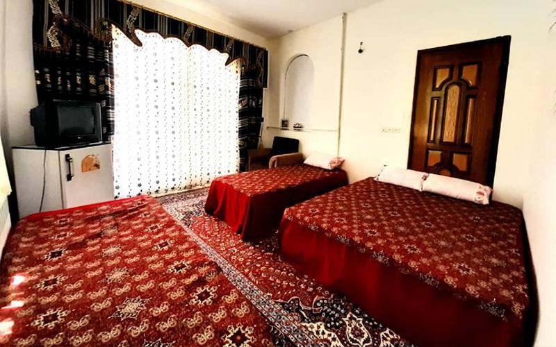 اقامتگاه سنتی سرای جهانگرد مهریز