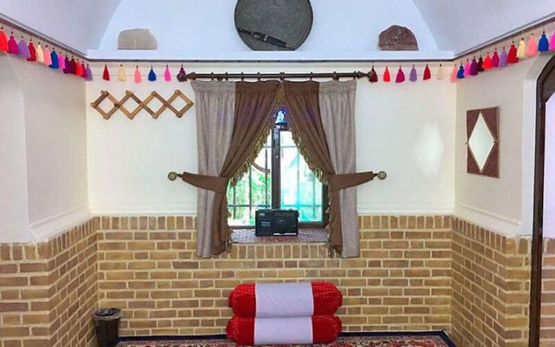 اقامتگاه بومگردی قصر شیرین گرمسار