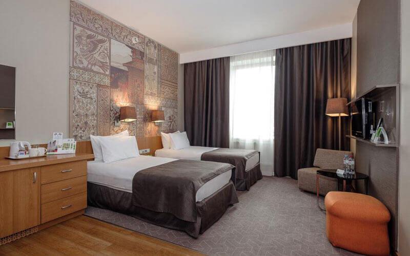 هتل هالیدی این تاجانسکی مسکو
