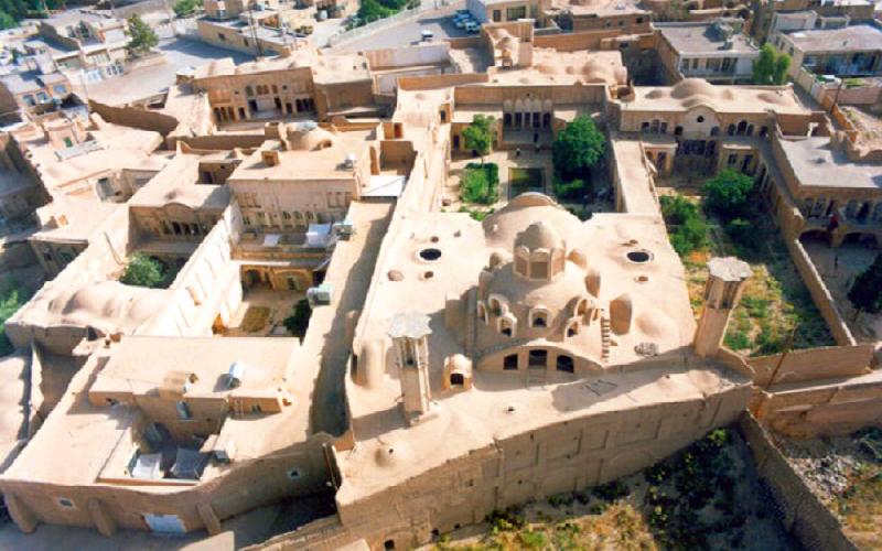 موزه هنرهای تجسمی دکتر شیبانی | خانه تاریخی کاج کاشان