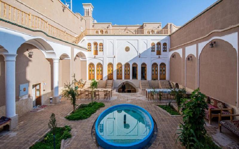 اقامتگاه سنتی خانه پارسی کاشان