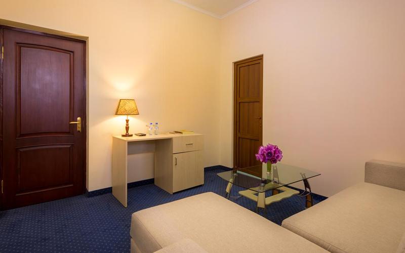 هتل طبقه ۱۴ ایروان