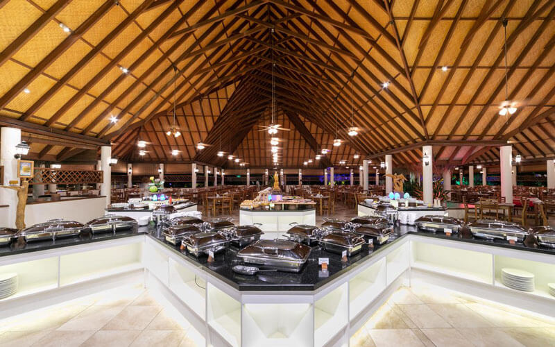 هتل Fihalhohi Island Resort