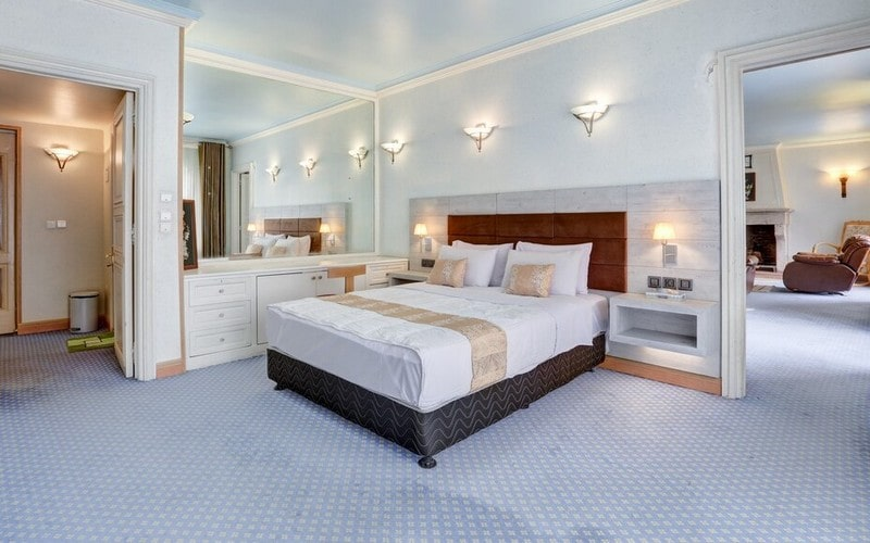 هتل جهانگردی دیزین