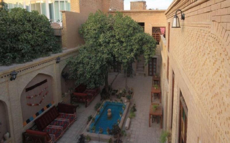 اقامتگاه سنتی ماه منیر شیراز