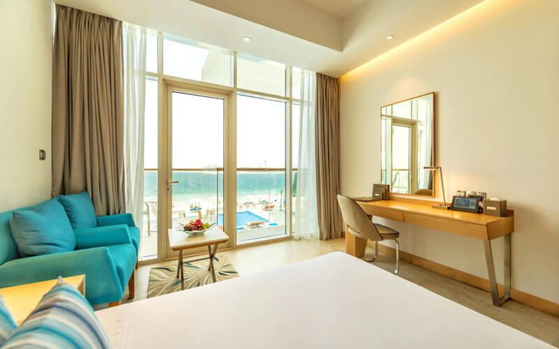 هتل Royal Central The Palm Dubai