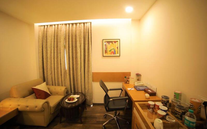 هتل Hotel LA New Delhi