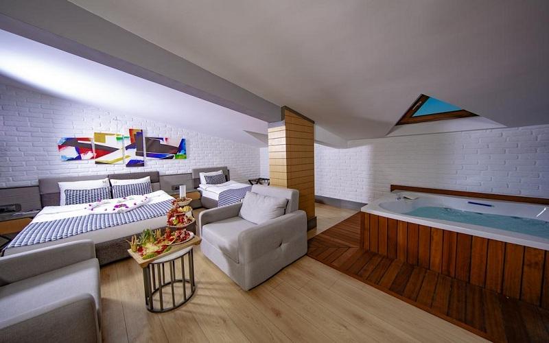 هتل لارن فمیلی اند اسپا آنتالیا