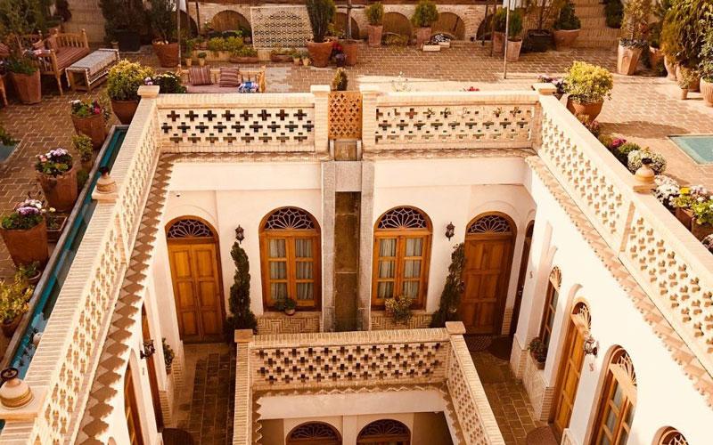 اقامتگاه قصر منشی اصفهان