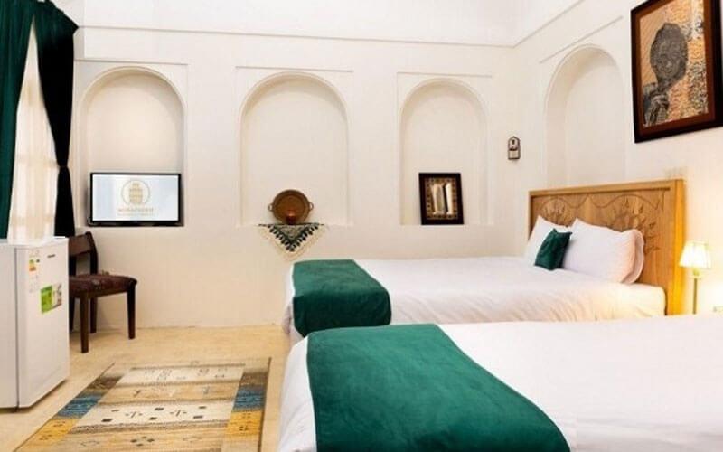 هتل تاریخی خانه آقازاده ابرکوه یزد