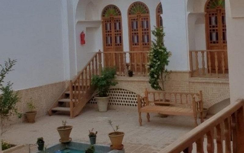 اقامتگاه سنتی گیواک کاشان