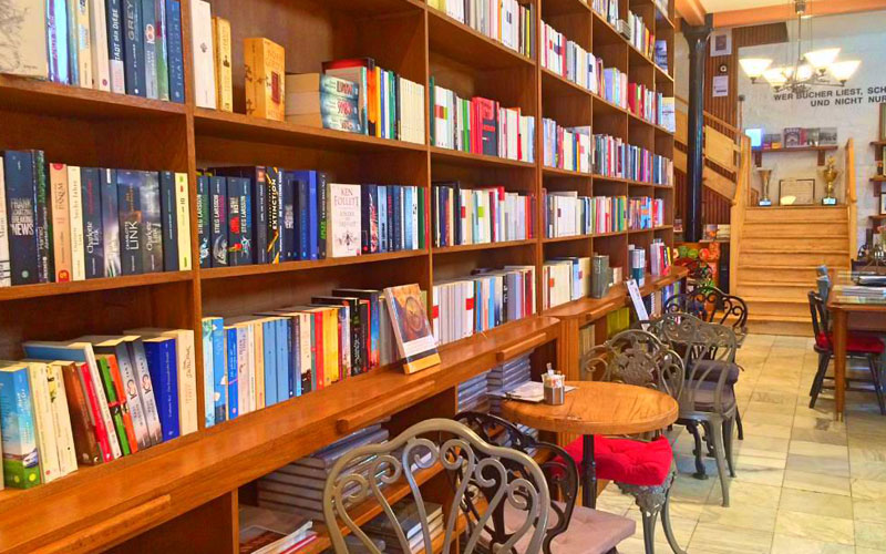کافه کتاب ترک آلمان استانبول