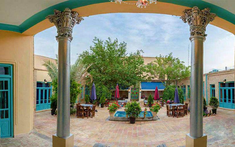 اقامتگاه بومگردی هاتف اصفهان
