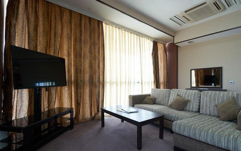 هتل Crossway Baku