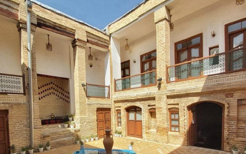 اقامتگاه سنتی عمارت بامگاه کرمانشاه