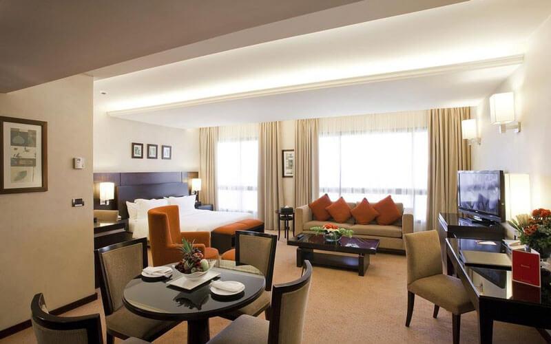 هتل Ramada Plaza by Wyndham Raouche Beirut