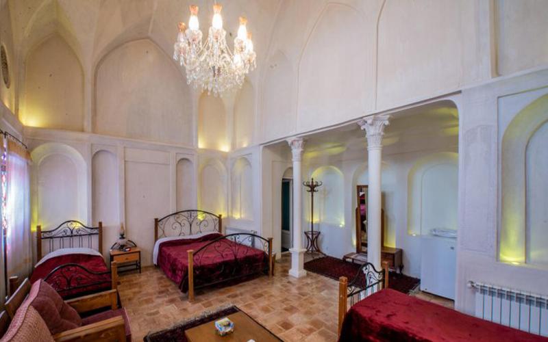 هتل خانه تاریخی احسان کاشان