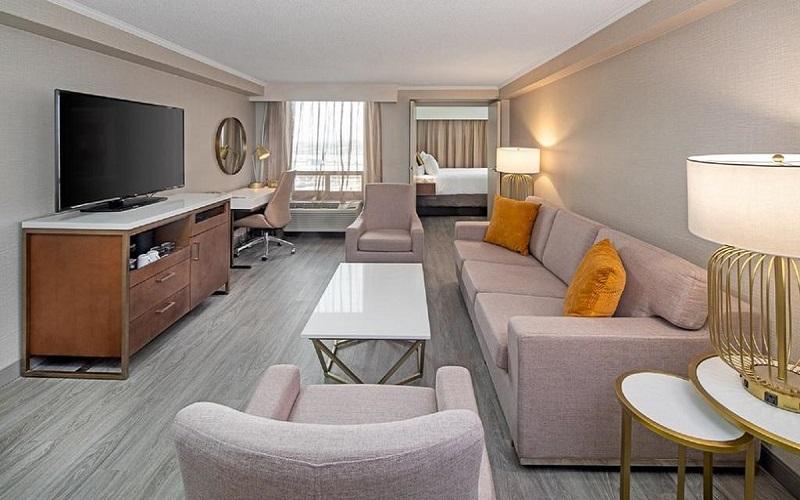 هتل کراون پلازا تورنتو
