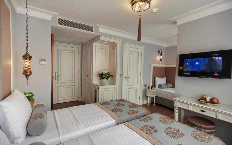 هتل Raymond Blue Hotel Istanbul