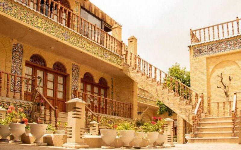 اقامتگاه سنتی فروغ مهر شیراز
