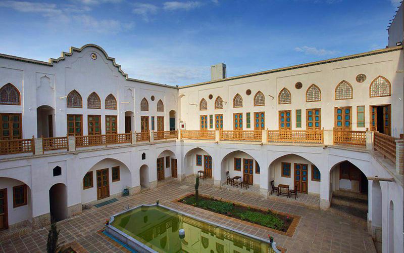 اقامتگاه سنتی خانه ادیب کاشان (مرشدی ۲ )
