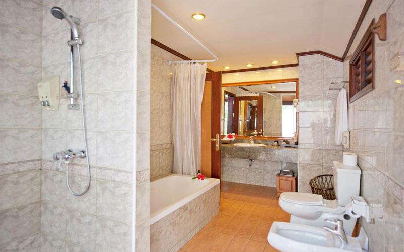 هتل رویال آیلند ریزورت اند اسپا ماله