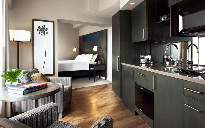 هتل وان کینگ وست رزیدنس تورنتو