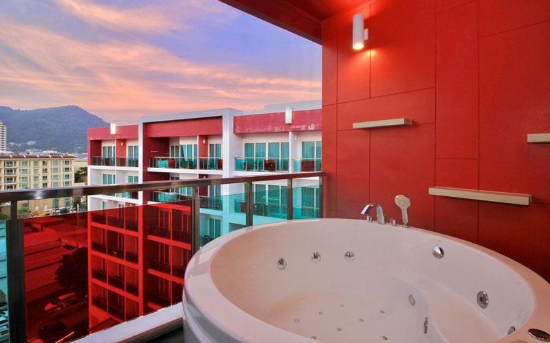 هتل SLEEP WITH ME HOTEL design hotel @ patong