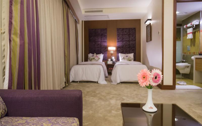 هتل نگین پاسارگاد مشهد