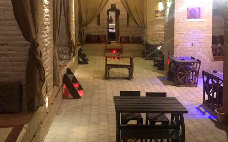 اقامتگاه سنتی کاروانسرای صفویه سریزد مهریز