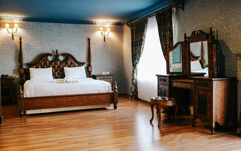 هتل رونسانس لایف وان