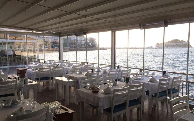 رستوران دریایی فرح کوش آداسی