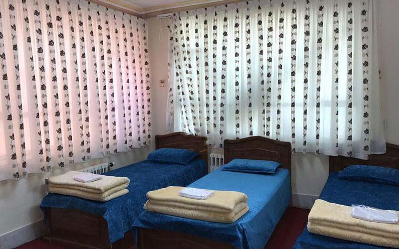 هتل خانه معلم کاشمر