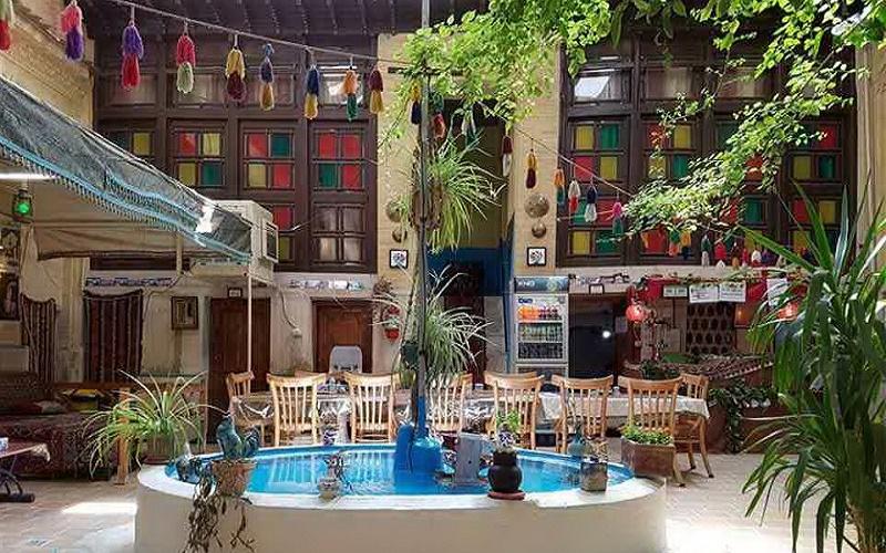 اقامتگاه سنتی گلشن شیراز