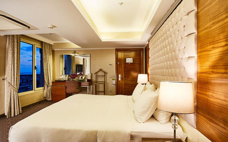هتل DoubleTree by Hilton Izmir Alsancak
